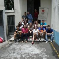 Entrega de brinquedos por alunos de Administração da ESPM – RJ. Unidade Centro em 26/10.